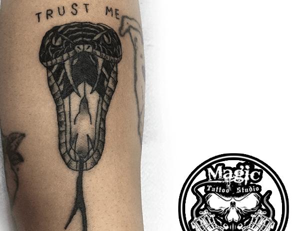 Yılan (Trust Me) – Kol Dövme Modeli